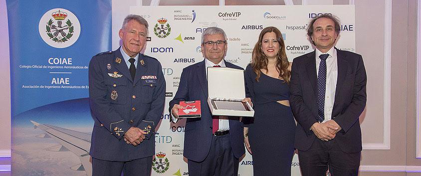 """El presidente de Airbus Operations en España, Manuel Huertas, recibe el galardón """"Ingeniero del año 2019"""""""