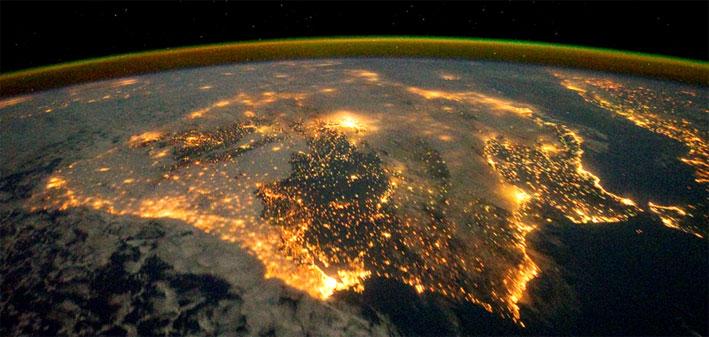 Controlar la contaminación lumínica y la temperatura de color en la iluminación