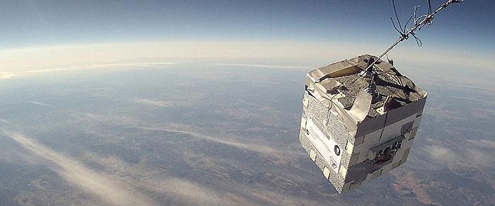 Estudiantes de ingeniería de la ESEIAAT lanzan un globo a la estratosfera para captar imágenes de la Tierra y el Sol