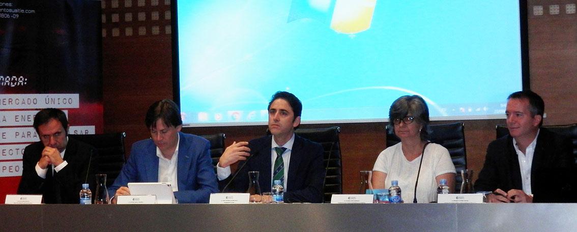 Representantes políticos y profesionales del sector de la Energía apuestan por una estrategia energética consensuada y estable en el tiempo