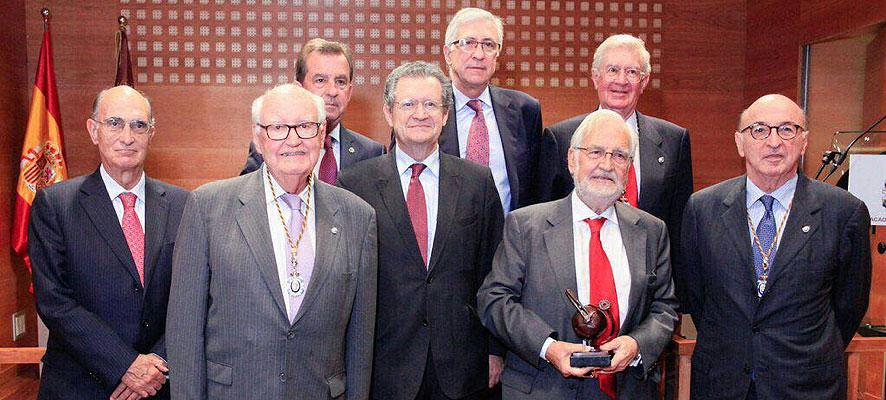 Entrega del galardón 'ingeniero lauredado' a Pablo Bueno Sainz