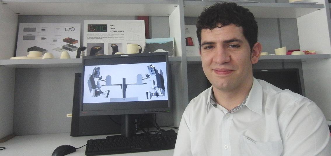 Un estudiante de Ingeniería de la UPNA diseña un exoesqueleto para rehabilitación