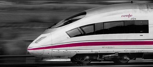 Una tesis doctoral investiga modelos para mejorar el sistema de suministro de energía eléctrica auxiliar en los trenes