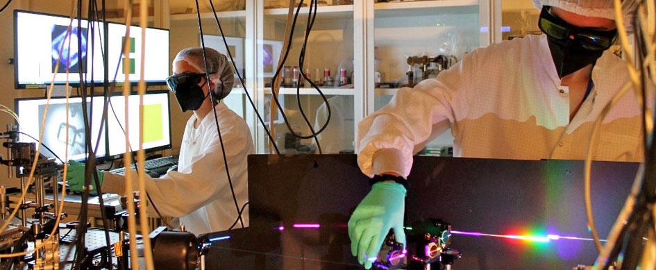 La introducción de compuestos orgánicos permite aumentar la eficiencia de las celdas solares fabricadas con perovskitas