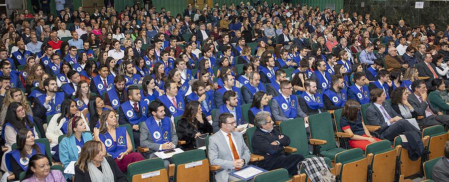 La Universidad Politécnica de Madrid entrega los diplomas a los egresados de la ETS de Edificación