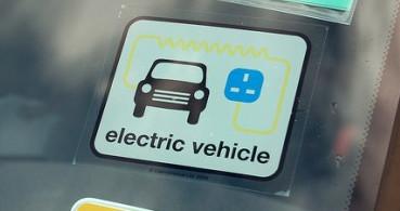 Nueva tarjeta de aparcamiento gratuito para vehículos eléctricos
